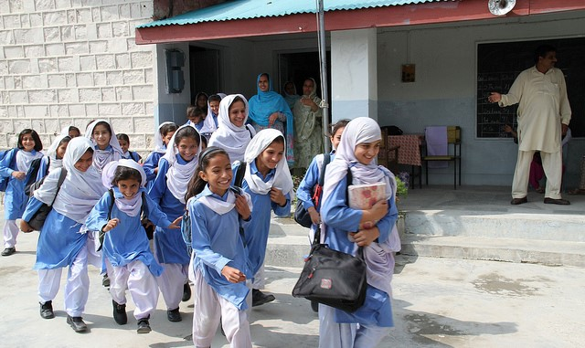 Facilitating Innovative Growth of Low Cost Private Schools: Experimental Evidence from Pakistan